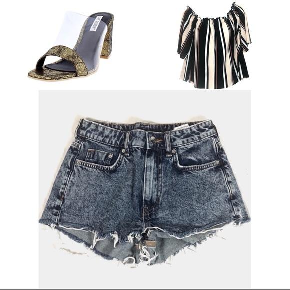 Divided Pants - ¡¡¡☘️3/$20!!! Divided Acid Washed Jean Shorts TPIS